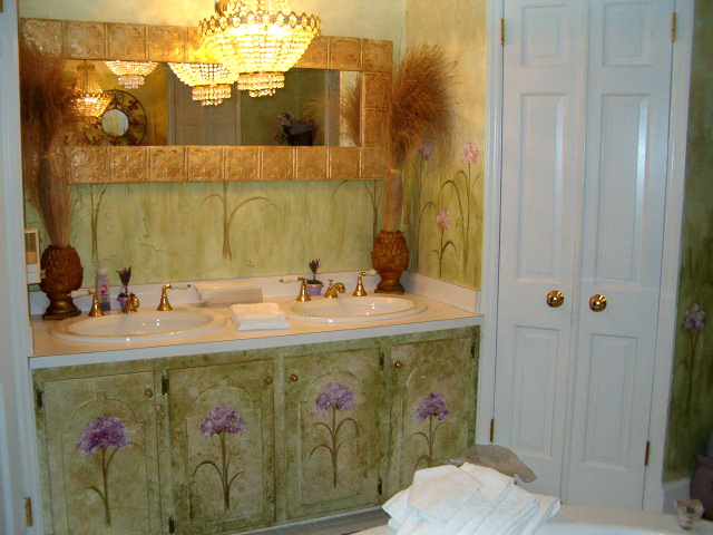 Honeymoon Suite bathroom at the Matthews House (1)